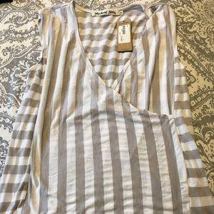 Lulus nwt wrap top, grey stripe